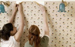 Очистить стены от обоев и краски