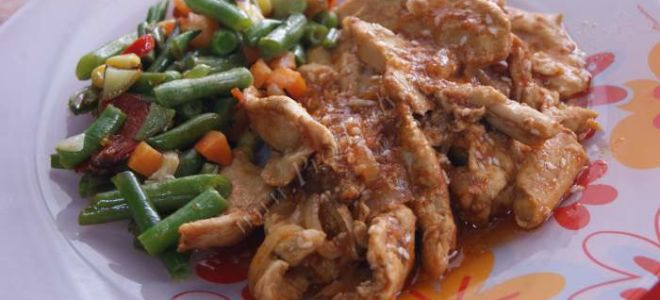 Рецепт куриной грудки в соевом соусе и кунжутом