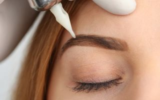 Перманентный макияж бровей: виды, особенности и правильный уход после процедур