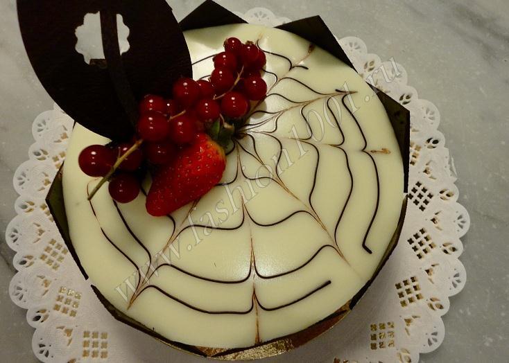 Красиво украшенный торт