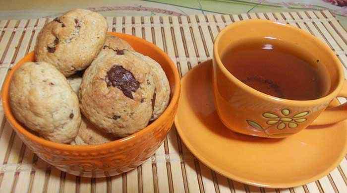 Песочное печенье с кусочками шоколада