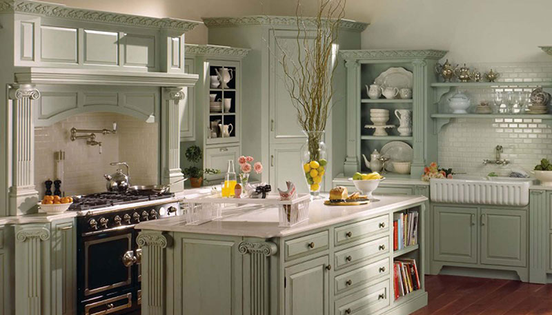 Кухня в светлых зеленых тонах