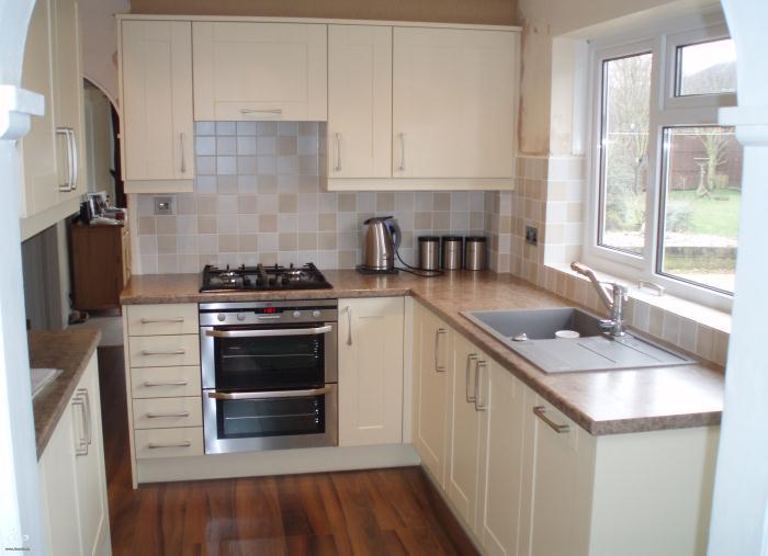 Еще один дизайн маленькой кухни